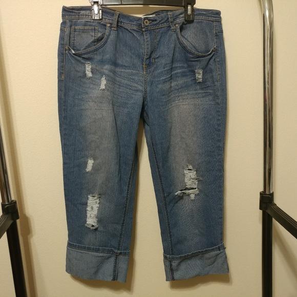 f6503f15918cd Cato Destructed Cuffed Capri Jeans 16